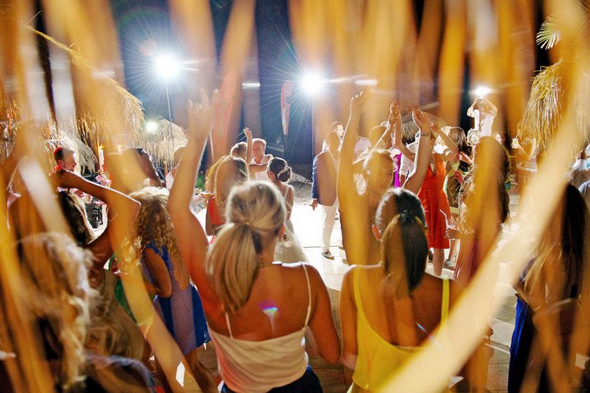 spetses wedding party