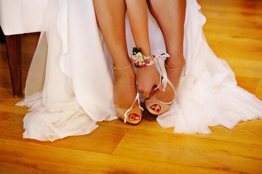 spetses wedding bride
